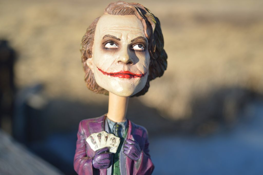 Die Abmahnung wegen Filesharing des Films Joker sollte nicht ignoriert werden.